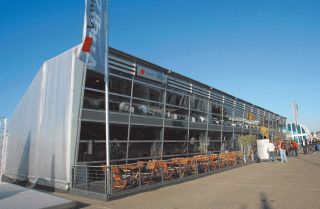 Raumlösung für Audi Sport von Zelte Frank
