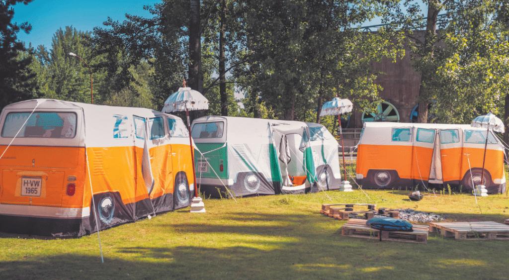 Rund 750 Mitarbeiter feierten während des Festivals auf dem Gelände des Landschaftsparks Duisburg Nord, und übernachteten auch dort.