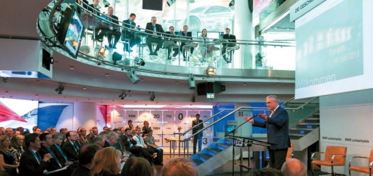 Mit rund 170 Teilnehmern fand Mitte Juni 2013 das erste BAYSISforum in der Münchner BMW-Location am Lehnbachplatz statt.