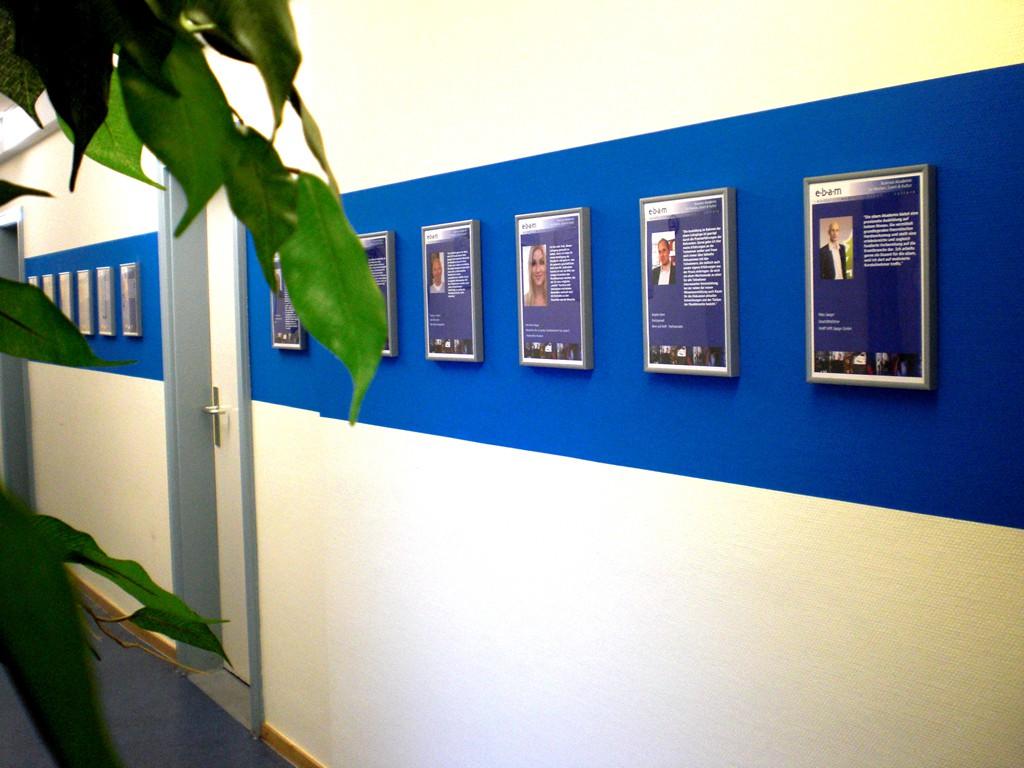 ebam Gang mit Dozentenporträts