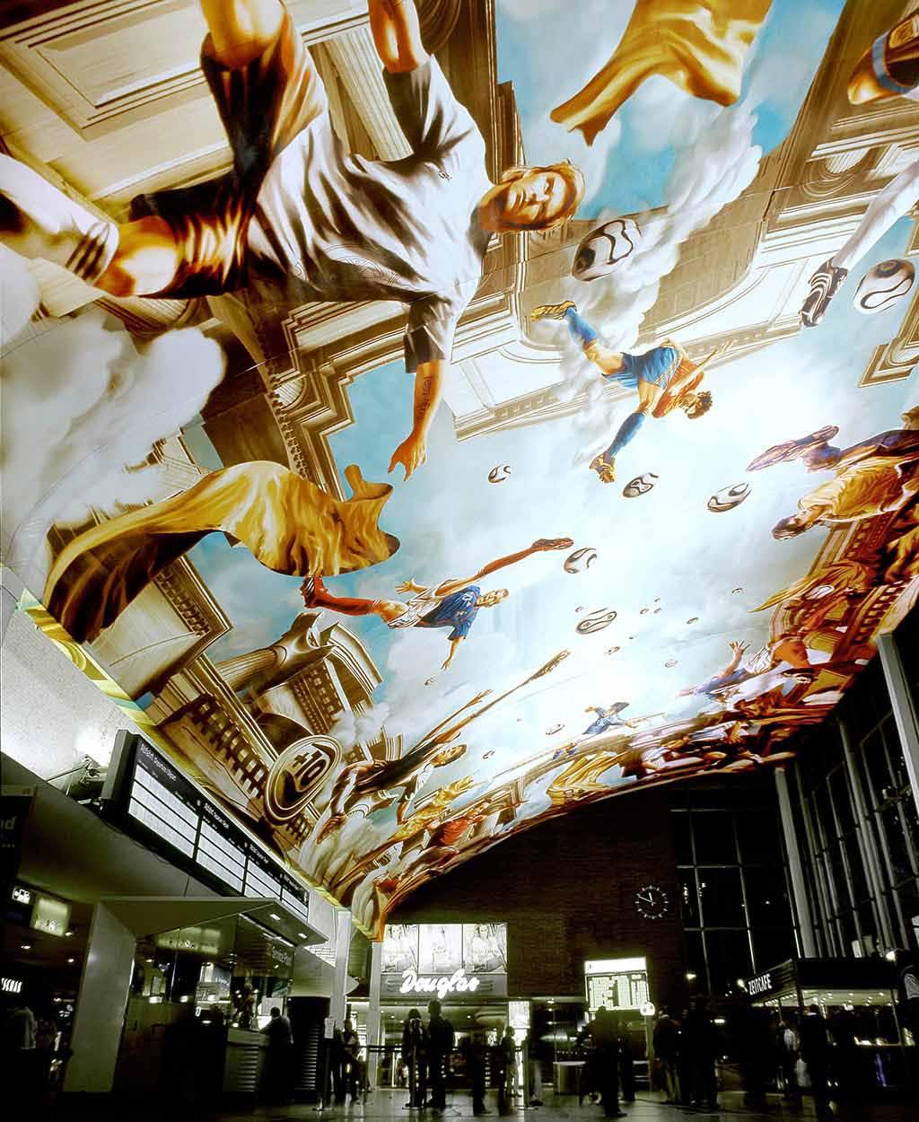 Adidas Fußball Fresco im Kölner Hauptbahnhof zur WM 2006