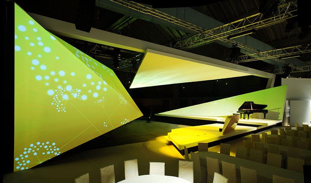 Installation von Boris Banozic in der Blumenmarkthalle, Berlin