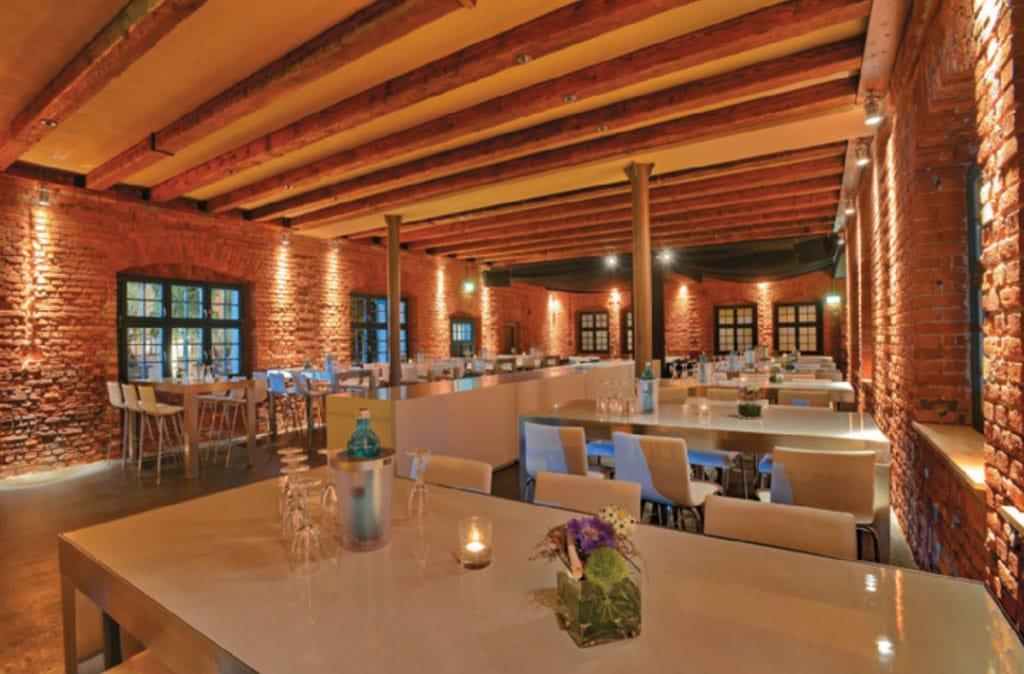 Das Seehaus bietet eine Symbiose aus Café, Bar, Lounge und Event-Location.