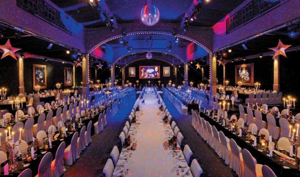 Mit 2.000 m² Nutzfläche gehört das Erlwein-Capitol zu den größten Veranstaltungshallen in Dresden.