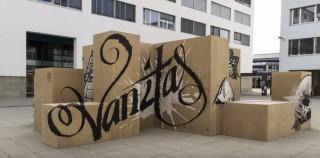 Die Installation von Truly Design trägt den Titel Vanitas.