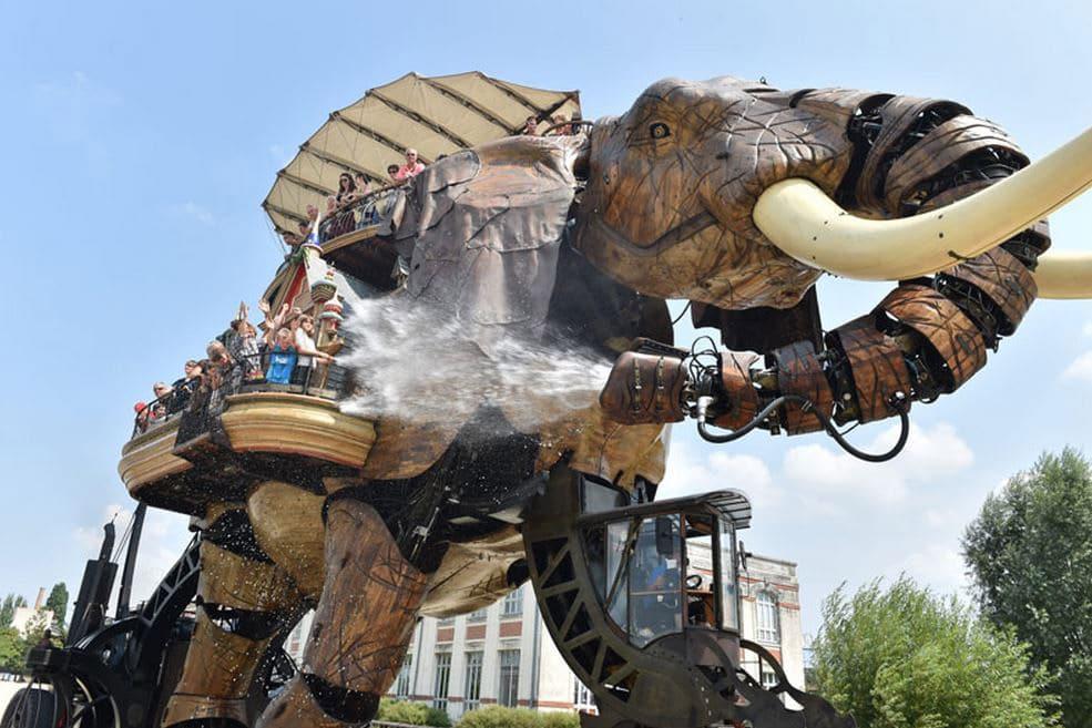 Die Attraktion Grand Éléphante in Nantes, Frankreich