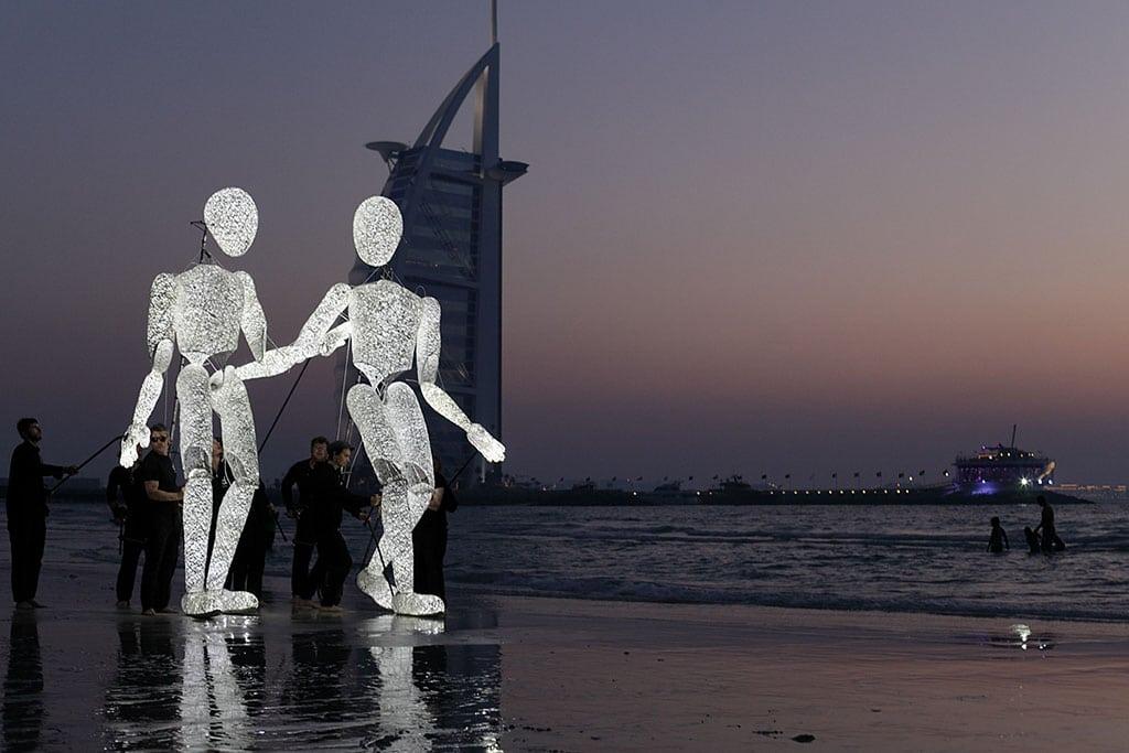 Dundu am Strand von Dubai