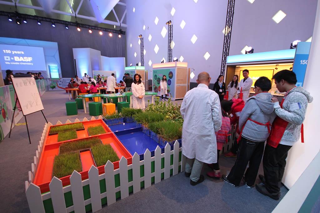 Miniatur-Garten bei der BASF Creator Space Tour