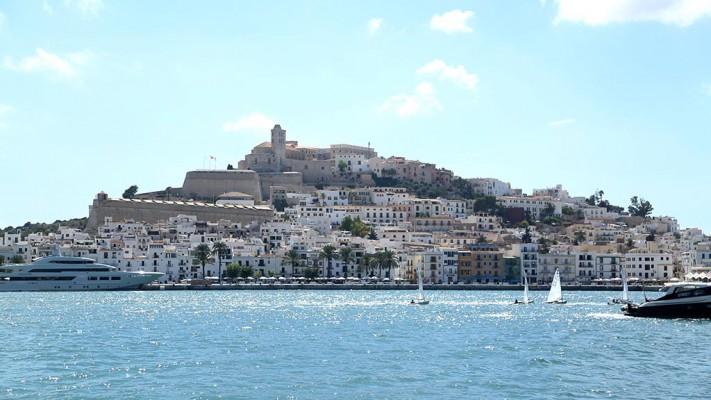 Yachten im Hafen von Ibiza