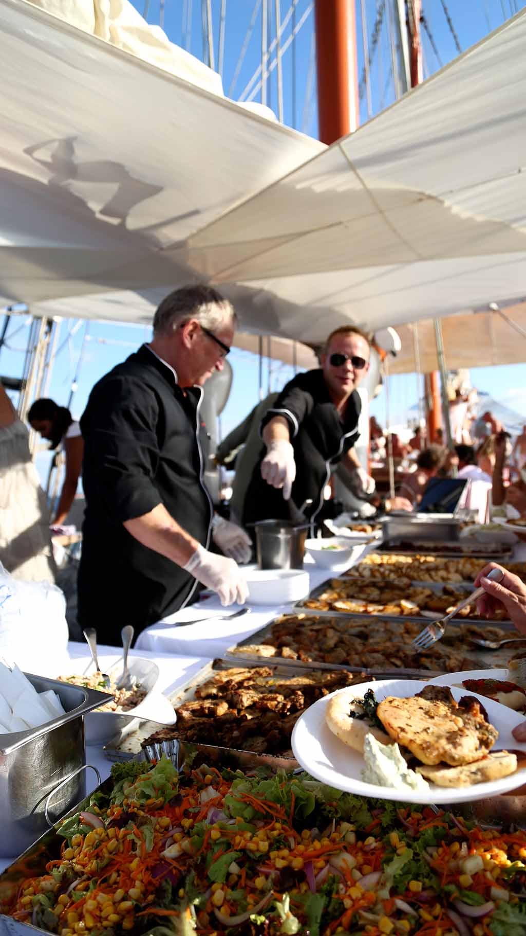 Catering auf einem Segelschiff