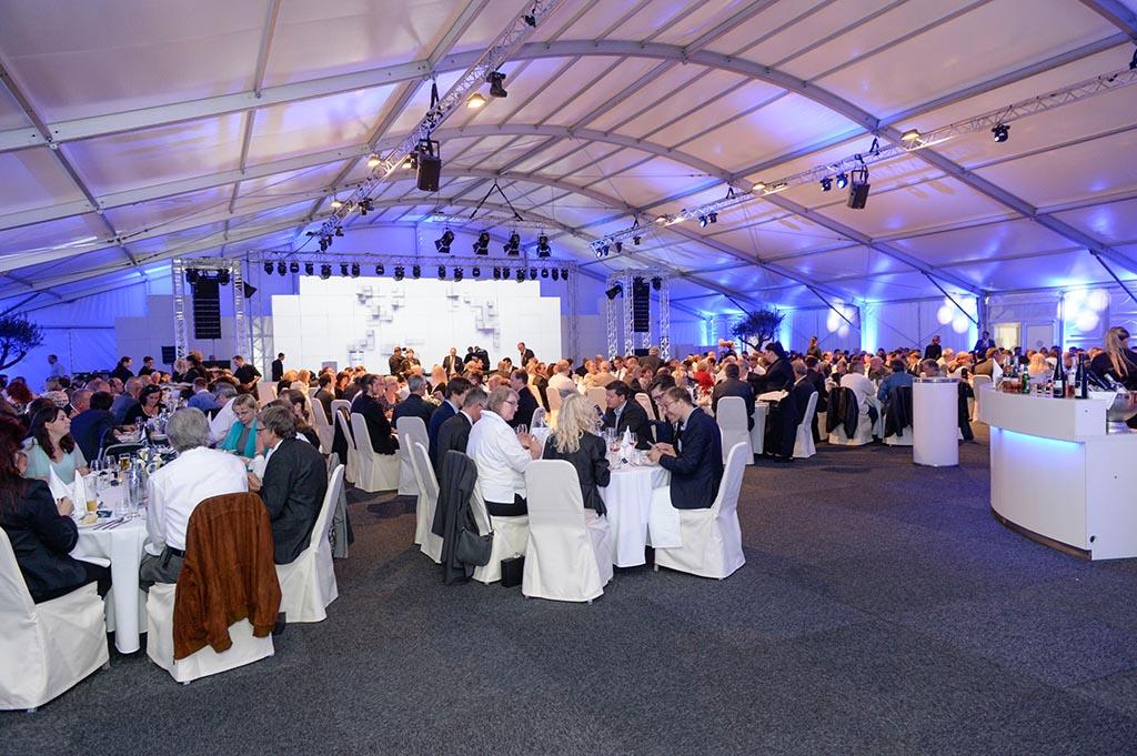 Festzelt: 50 Jahre Monacor International