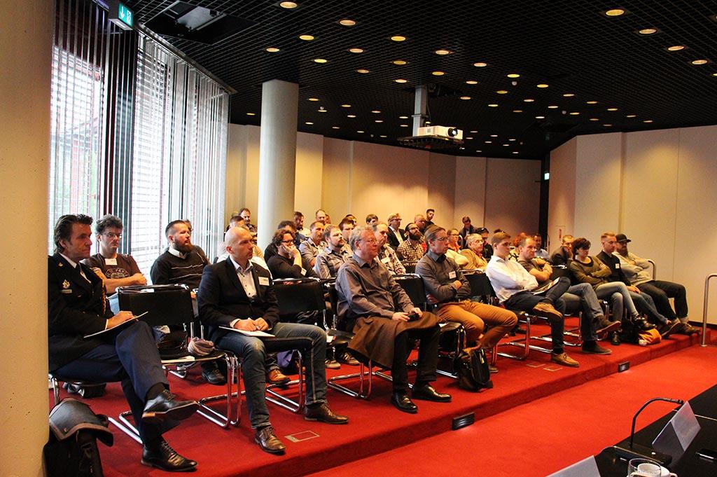 Zuhörer bei der 2. Fachtagung Veranstaltungssicherheit des IBIT
