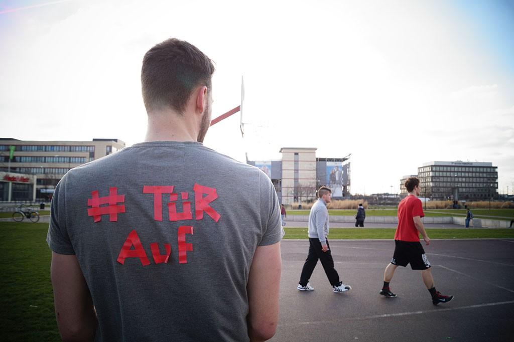 TShirt mit Aufdruck: #türauf