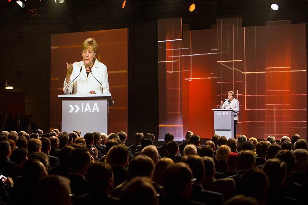 Angela Merkel zur Eröffnung der IAA 2015