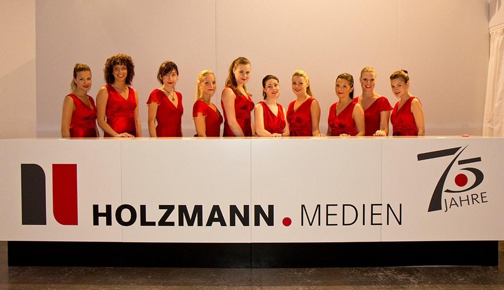 Service- und Promotionkräfte beim Holzmann Jubiläum