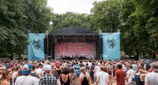 Hauptbühne des Appletree Garden Festivals.
