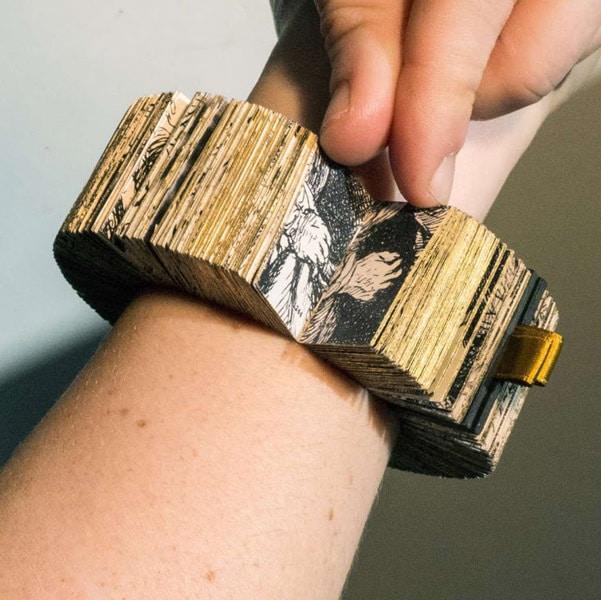 Buch-Armband von Lyske Gais