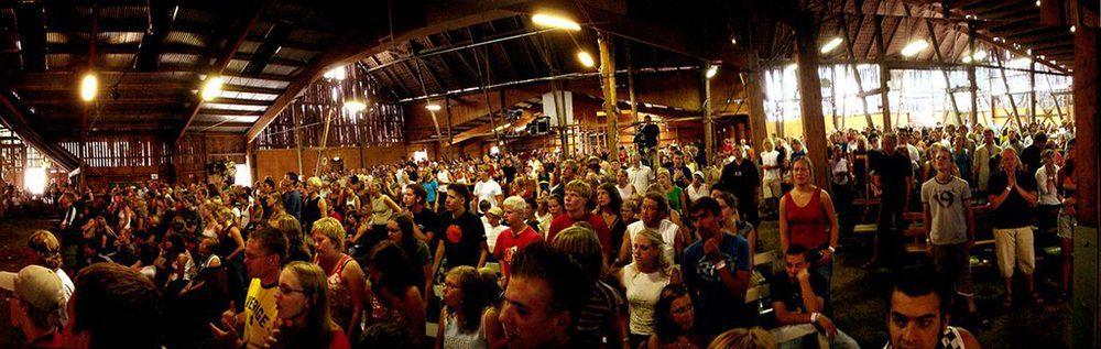 Menschenmenge auf der Youth Conference
