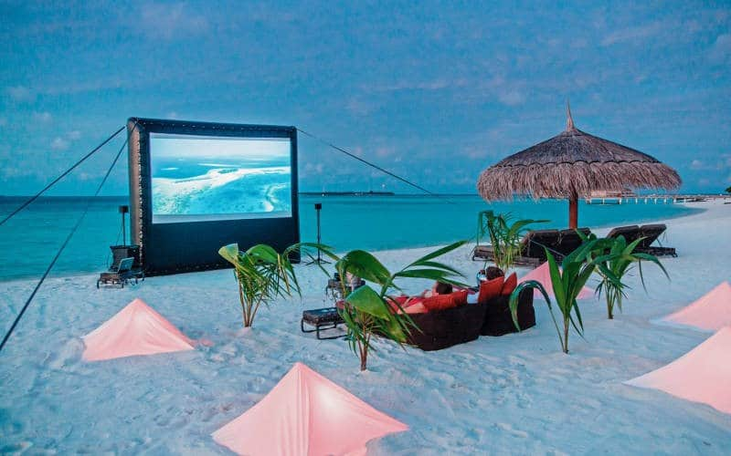 Romantisches Freiluftkino Malediven