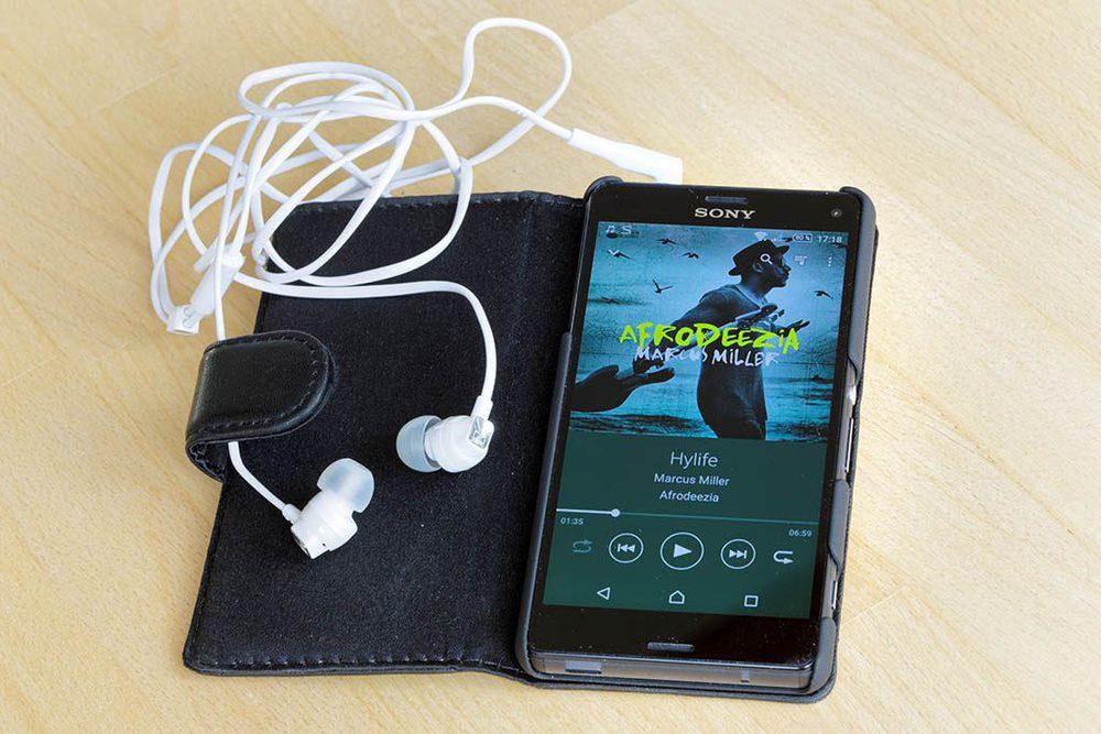 Smartphone mit Headphones