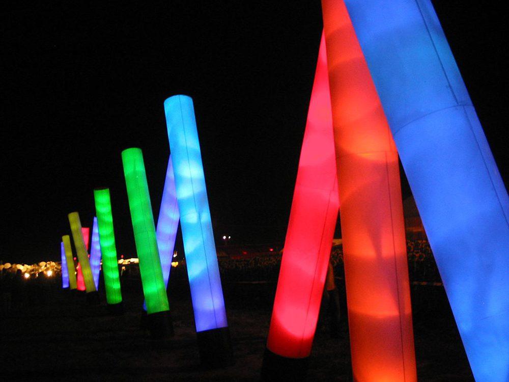 Farbige Lichter in Röhren