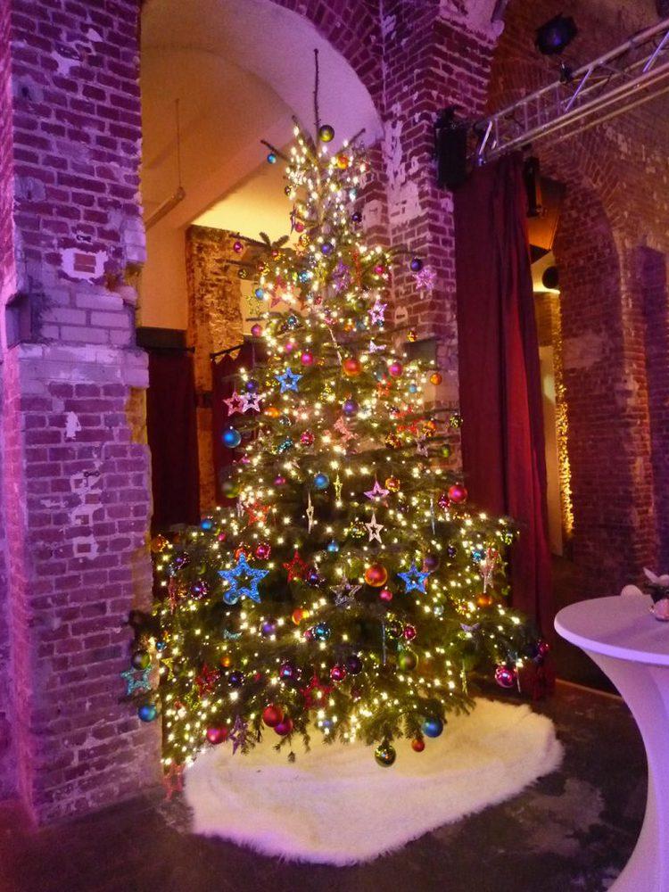 wann stellt man einen weihnachtsbaum auf frohe weihnachten in europa. Black Bedroom Furniture Sets. Home Design Ideas