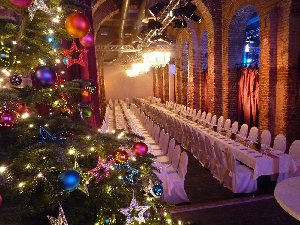 Weihnachtsbaum auf einer Veranstaltung