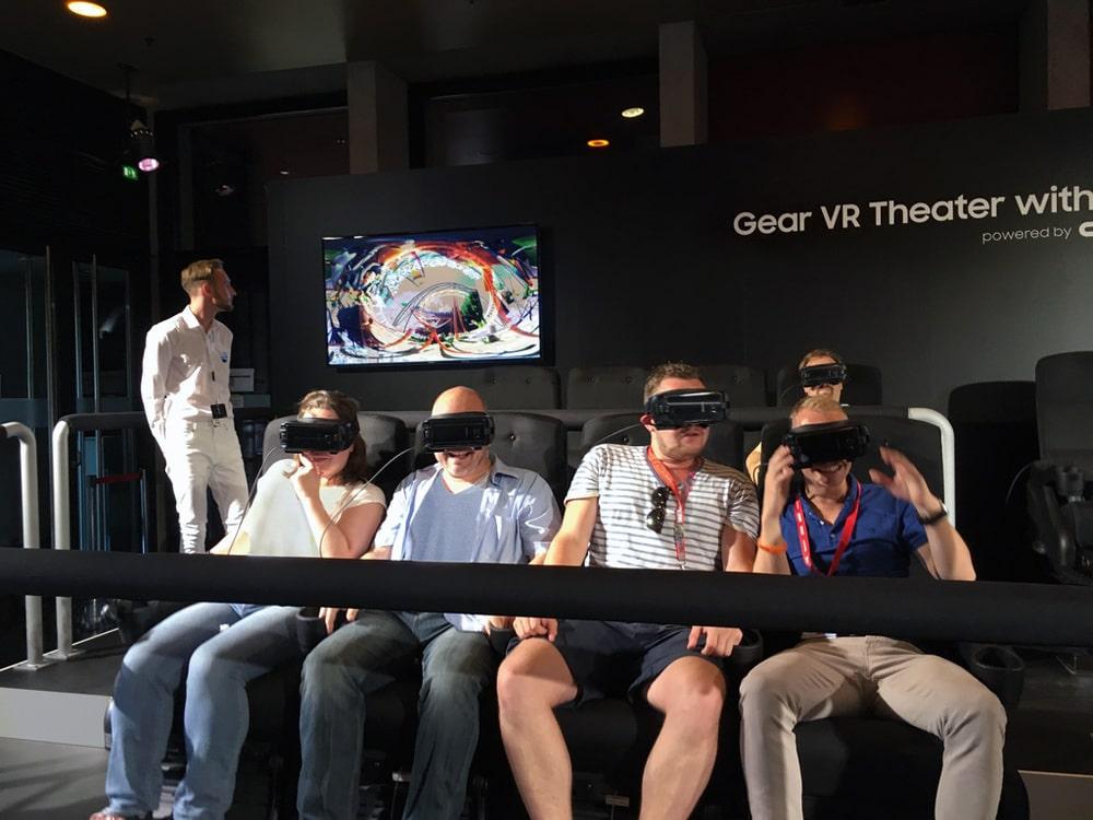 Spaß in 3D: Vorstellung des Samsung Galaxy Unpacked 2016 im Tempodrom, Berlin