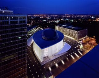 Blick auf die Philharmonie und Luxemburg-Stadt
