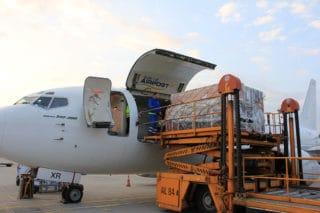 Trabsportbeladung eines Flugzeugs