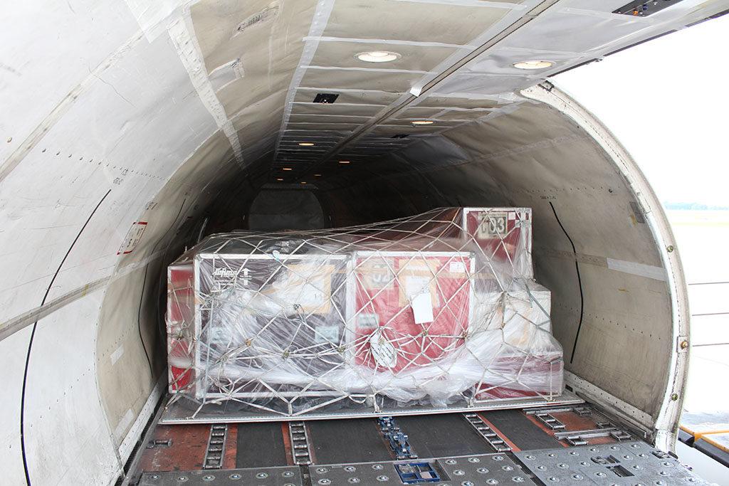 Ladung in einem Flugzeug
