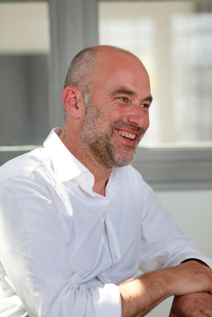 Jörg Krauthäuser, Geschäftsführer facts and fiction