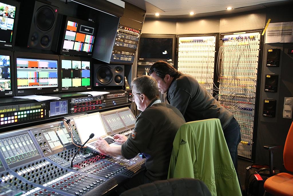 Tontechniker bei der Arbeit