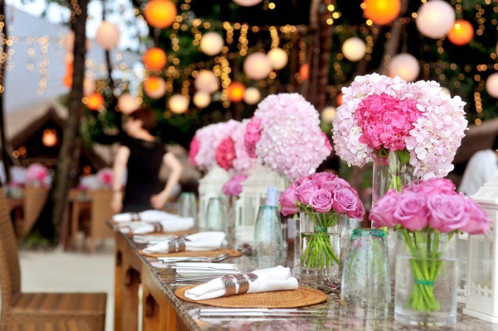 Tischdeko / Blumen / Catering