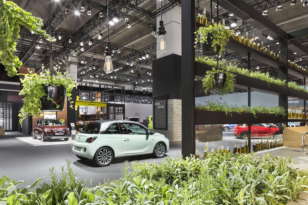 Opel-Messestand auf der IAA 2017