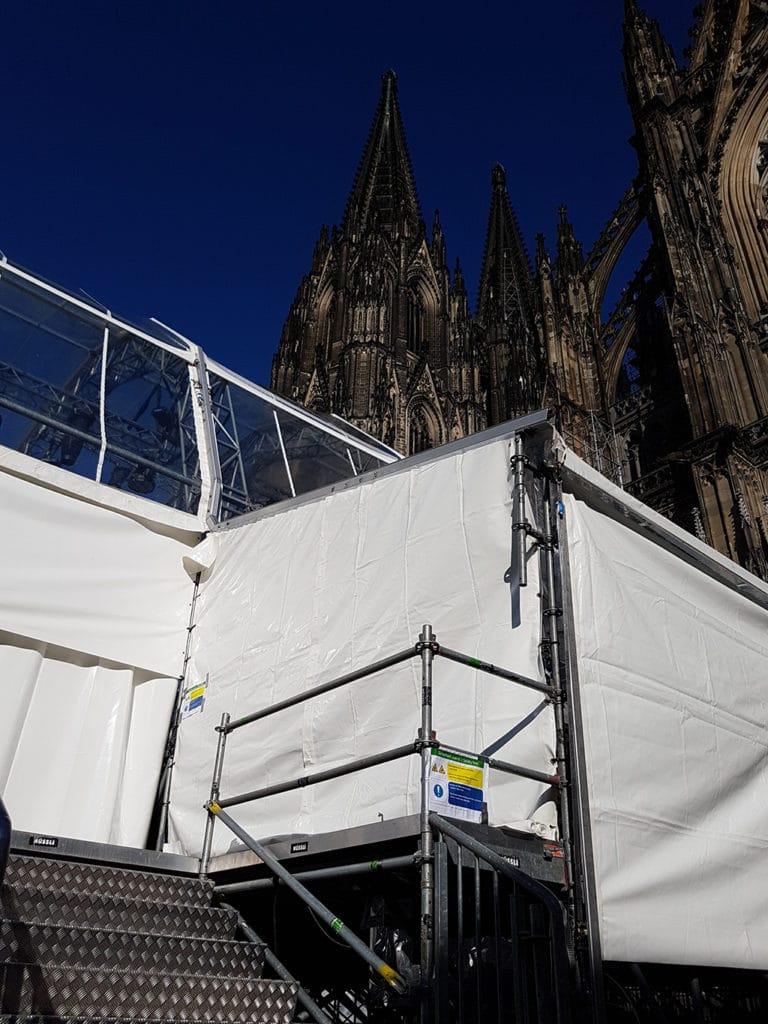 Bühnenbau am Kölner Dom
