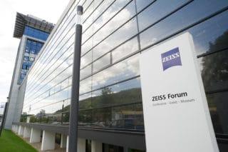 Das ZEISS Forum in Oberkochen mit dem integrierten, erweiterten ZEISS Museum der Optik.