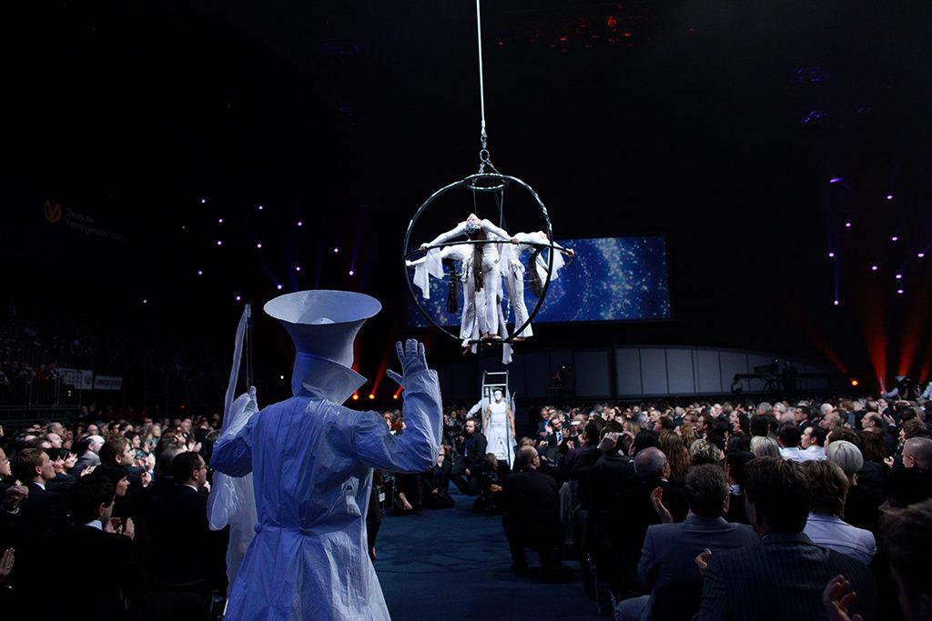 Sanostra Flying Globe
