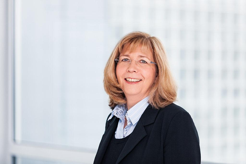 Diplom-Finanzwirtin Susanne Rosenberg, Steuerberaterin bei VRT Linzbach, Löcherbach & Partner