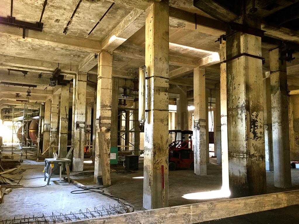 Foyer der Grand Hall Zollverein vor der Sanierung