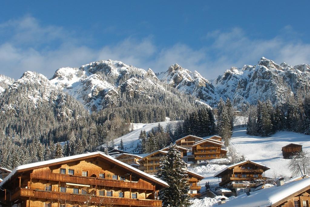 """Das """"schönste Dorf Österreichs"""": Alpbach im Winter."""