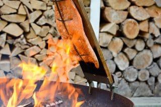 Fleisch über Feuer