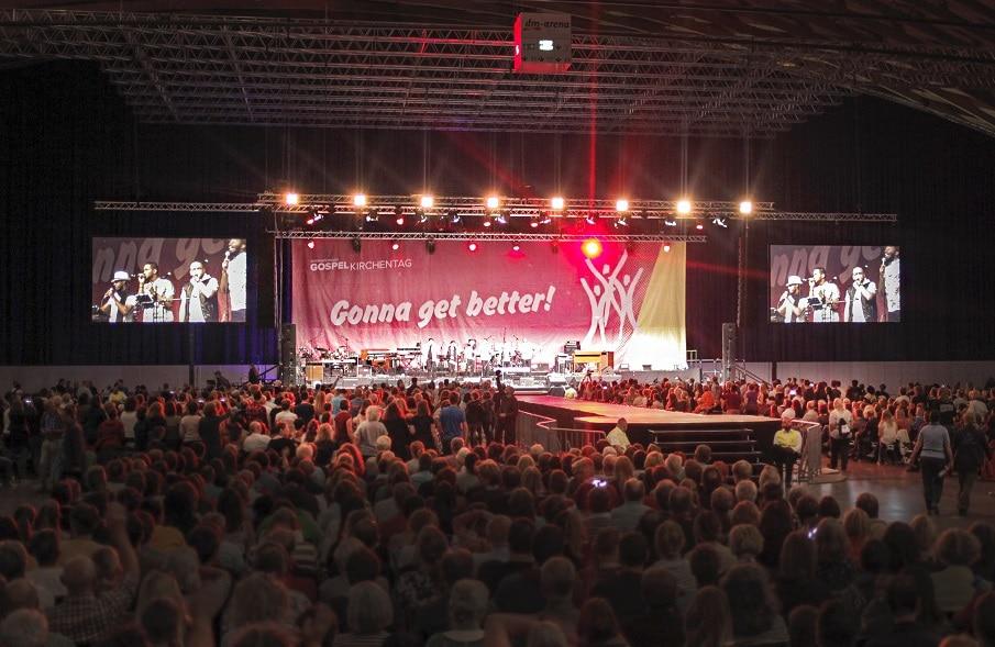 Veranstaltungstechnik von Pink Event Service in der dm-Arena der Messe Karlrsruhe