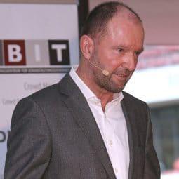 Volker Löhr