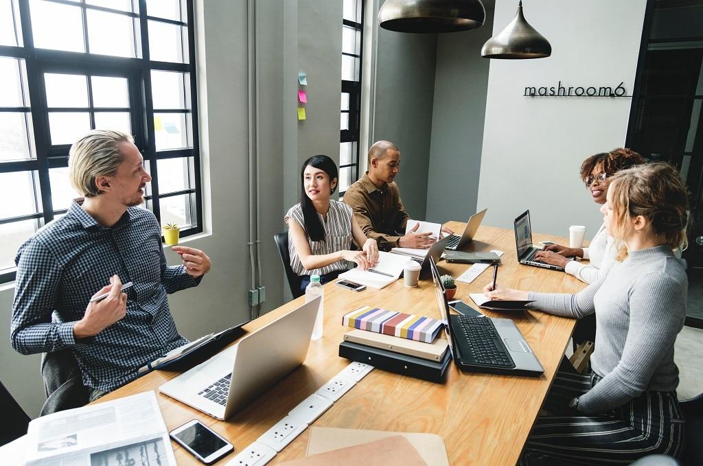 Diskussion beim Meeting