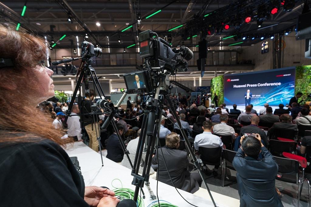 Live-Übertragung vom Huawei Stand während der gesamten CeBit 2018.