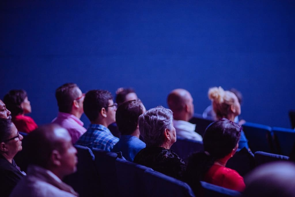 Veranstaltung-Besucher-Teilnehmer-Menschen-Event-Kongress-Konferenz