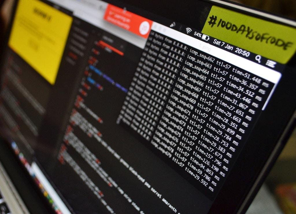 code-Computer-PC-digital-online
