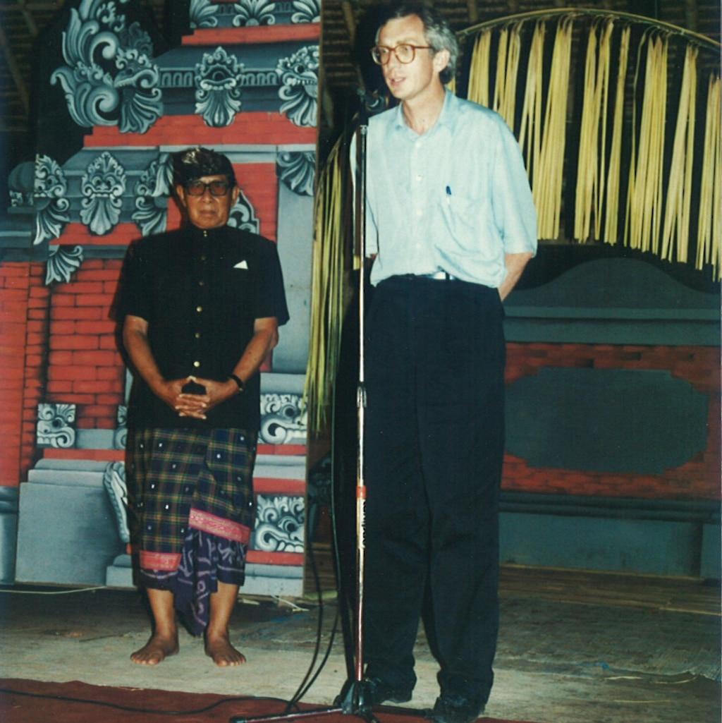 Werner Hagen beim Tempelfest im Königreich von Bali