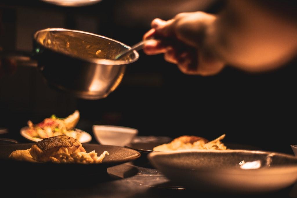 Koch-Catering-Küche-Essen-Nahrung-Gericht